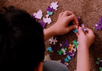 رعاية طفل التوحد